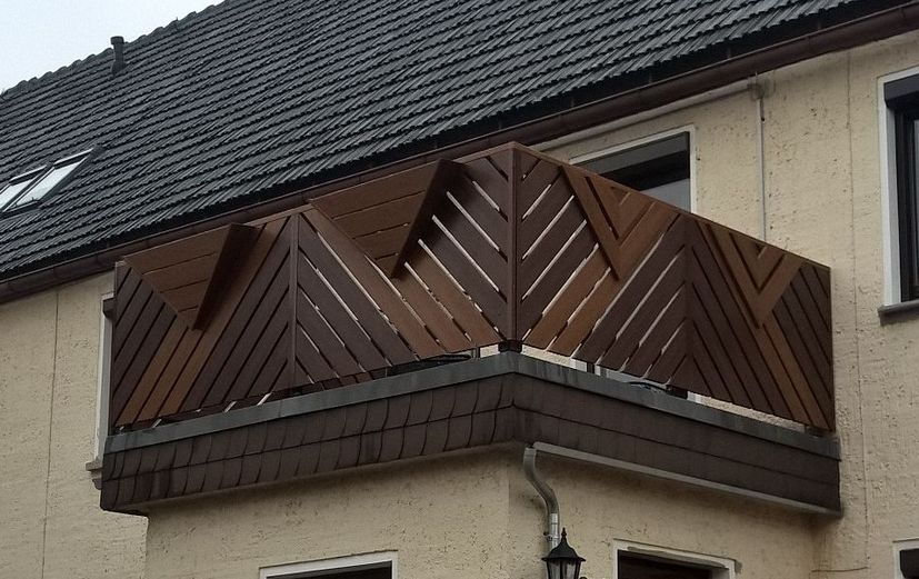 balkongelaender braun kunststoff